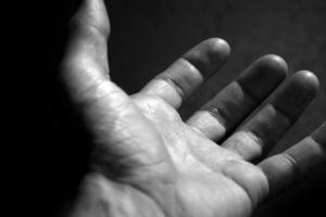 hand-reaching-bw